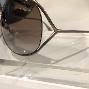 64b120674d02 Tom Ford Accessories - Tom Ford TF 131 57f Lilliana Sunglasses